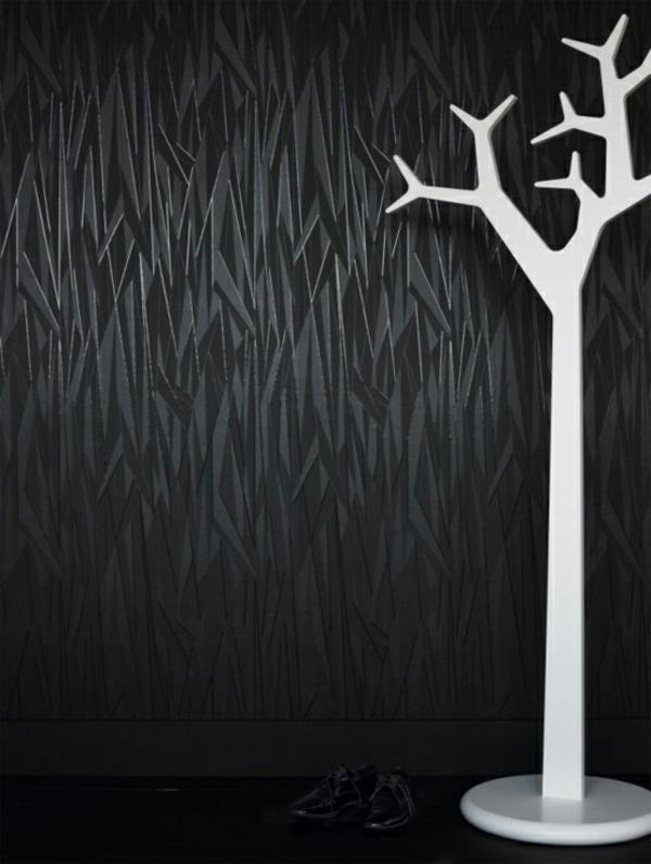 empire-tapete-schwarz-kleiderständer