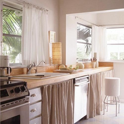 erneuerung der küche weiß beige tropisch garten
