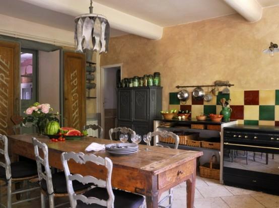 esszimmer holz schlicht tisch lampe holz originell stil küchenspiegel fliesen