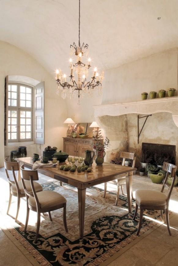 esszimmer mit rustikalen möbeln beige