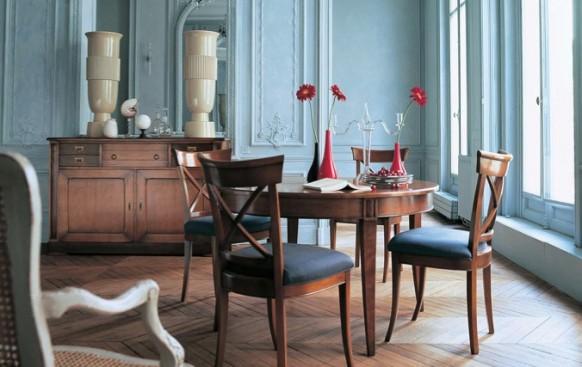 esszimmer mit rustikalen möbeln blau wände