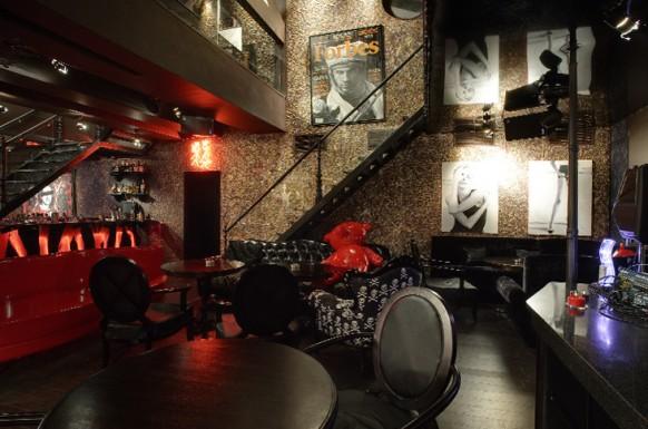 exzentrisch interieur restaurant schwarz rot