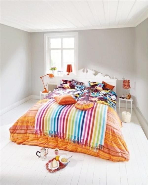 frühlingsdeko im schlafzimmer bunte bettwäsche