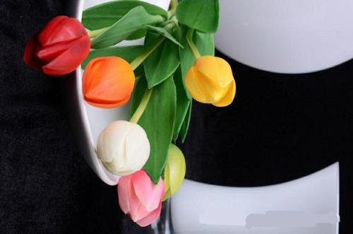 frühlingsdekoration mit tulpen idee haus festlich