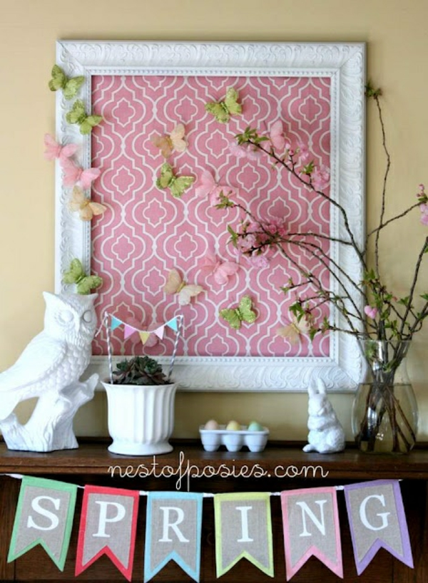 frühlingsdekorationen für das kaminsims rosa weiß