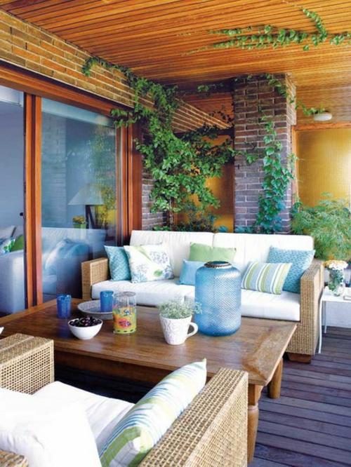 frische veranda deko ideen korbmöbel ziegelwände