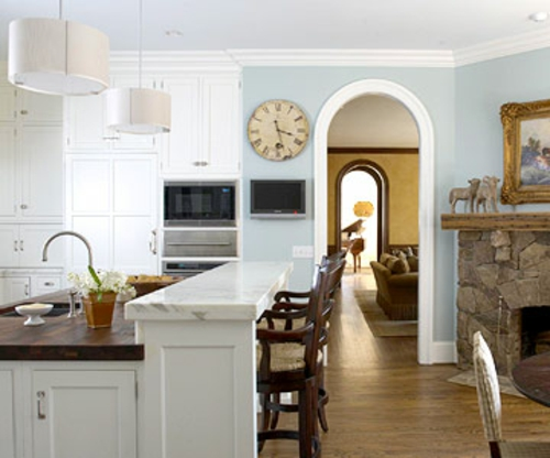 gesamtes aussehen weiß pastellfarben blau wand küche offen