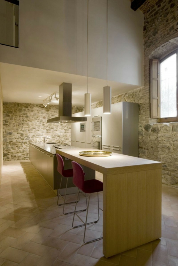 Haus design minim alte windmühle stein holz küche