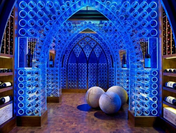Design weinkeller  Designer Haus mit Schwimmbecken und Weinkeller