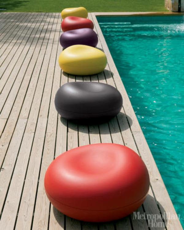hellrote sitzkissen wohnzimmer idee am pool tomato
