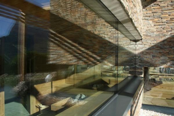 Faszinierendes Hotel Valentinerhof gebirge baukonstruktion glaswände