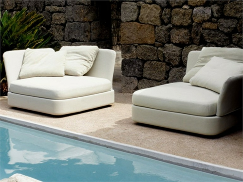 innenhof design interior paola lenti aqua sofa schwimmbecken
