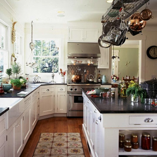 küchen mit vielen fenstern Charme Komfort
