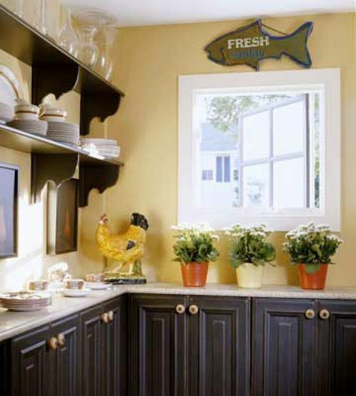 Küchen mit vielen Fenstern  Dünner Alkoven