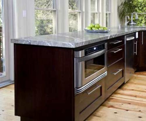 küchen mit vielen fenstern Flucht zur Kücheninsel