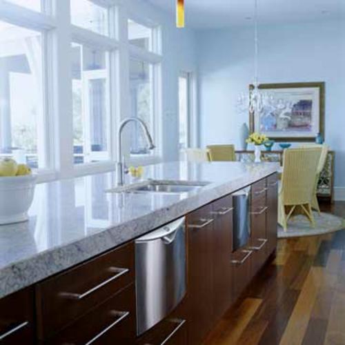 Einzigartige Design Ideen für Küchen mit vielen Fenstern