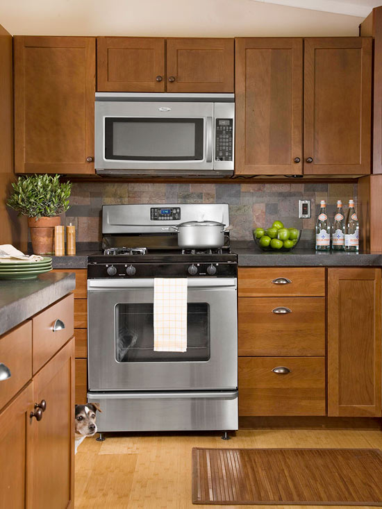 küchenbereich hoch modern holz küchenspiegel
