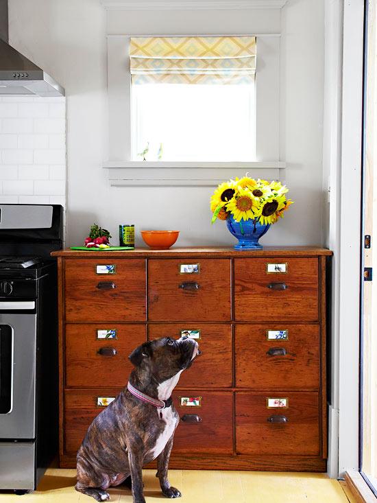 küchenbereich holz lackiert sonne blumen gelb