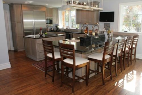 Kücheninsel Mit Sitzplätzen Lehnstühle Idee Weiß Holz Interessant Design
