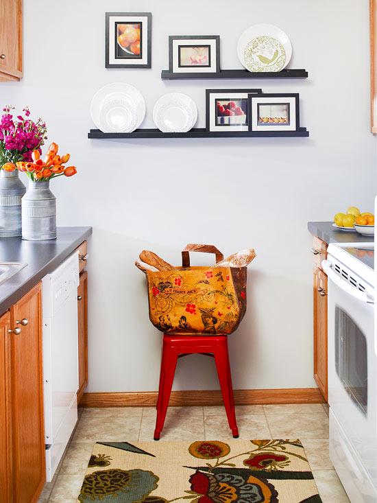 kompakte küchen weiß akzente regal teller