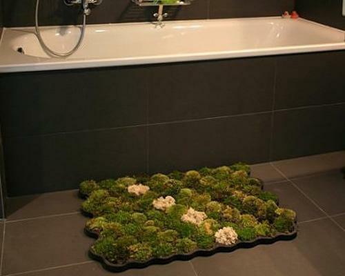 lebende badematte grün originell design dunkel eingebaut badewanne