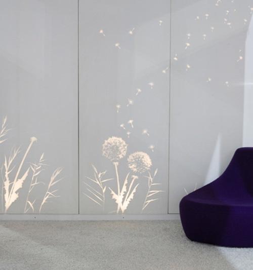 als ob aus dem jenseits hierher licht aussendende tapete. Black Bedroom Furniture Sets. Home Design Ideas