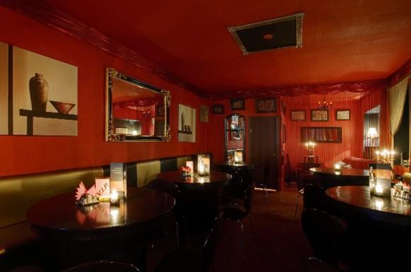 interieur designs im restaurant rot schwarz