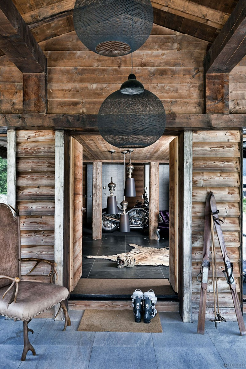 luxuriöse berghütte one oak combloux holz kronleuchter deko einzigartig