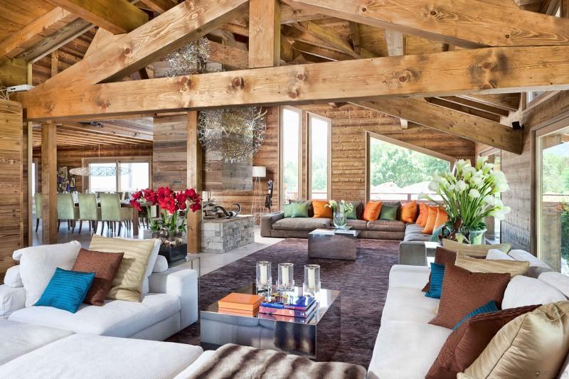 luxuriöse berghütte one oak combloux wohnzimmer kissen