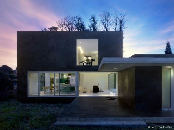Luxus haus in spanien mit einzigartigem kamin for Modern house designs bloxburg
