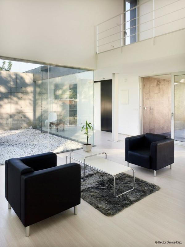 Luxus Haus In Spanien Mit Einzigartigem Kamin Glastrennwand Innengarten Luxus Haus