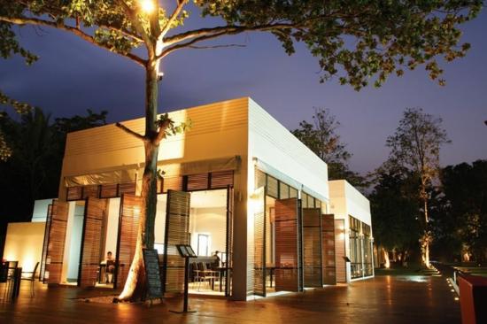 minimalistisches hotel design the library garten cafe