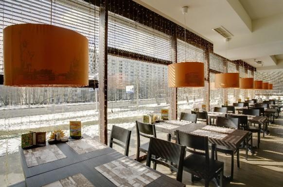 modern interieur designs im restaurant glaswände