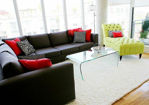 Modernes Wohnzimmer Design - helle, kontrastierende Farben