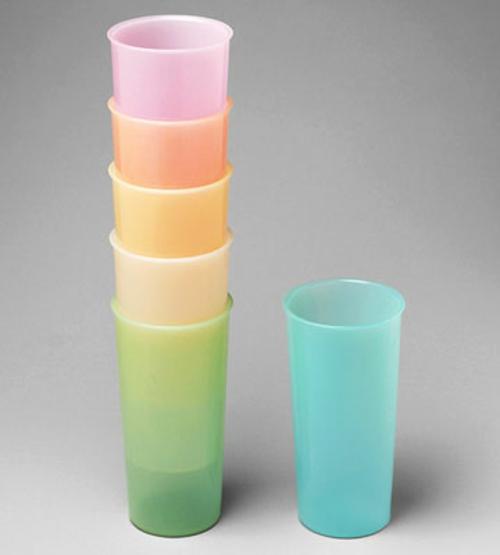 modernes design küche nostalgische gläser