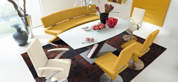 modernes design mit gelben lederstühlen