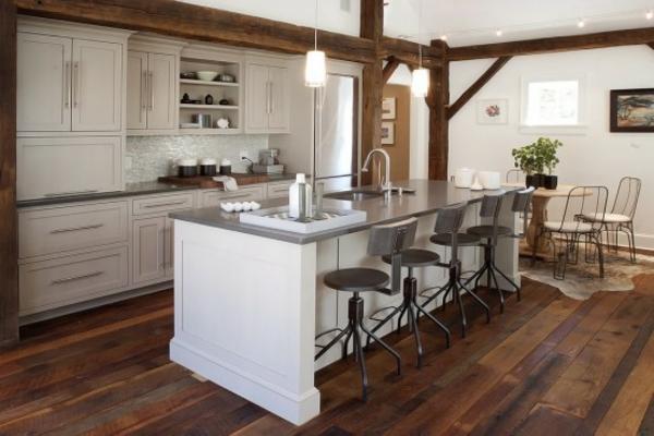 modernes küchen design chrom stühle