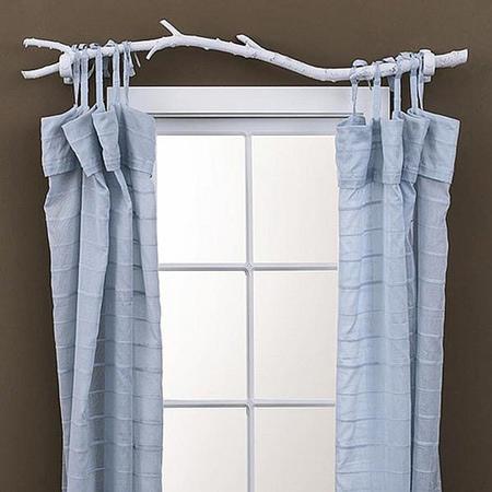 originelle Ideen Ast Zweigdekorationen im Inneren Fenster