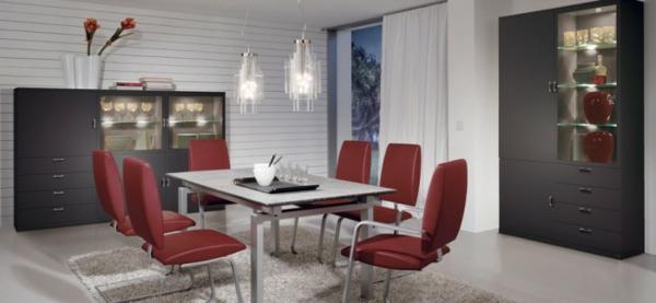 originelle rote chrom stühle