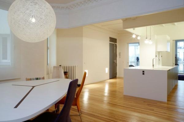renovierung haus weiß ortega y gasset haus bunt stühle