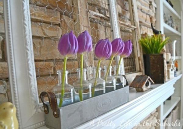 schön deko kamin lila tulpen