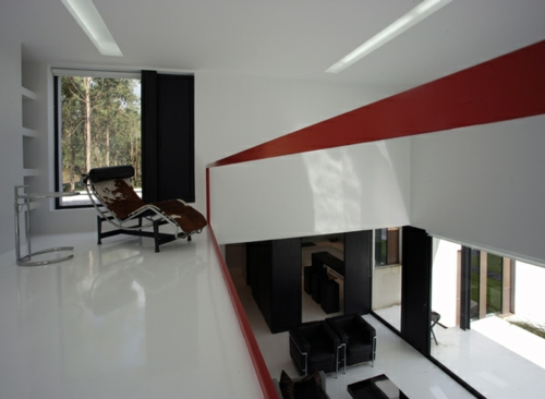 schwarz weiß haus einrichtung rot etage blickwinkel