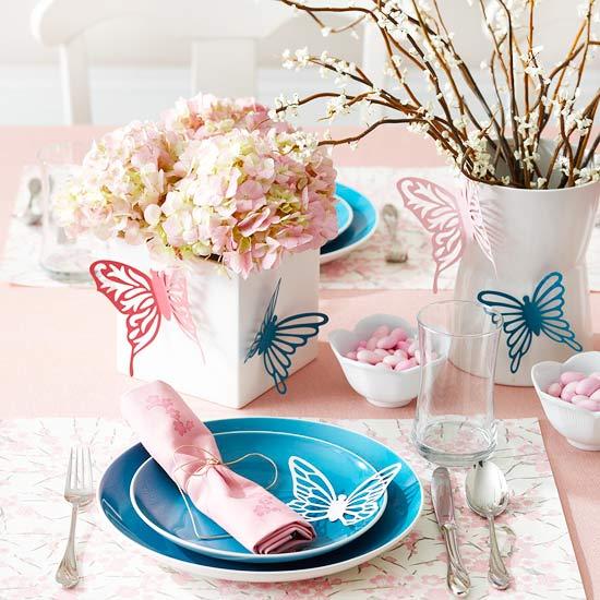 selbstgemachte ostern tischdeko rosa frühlingsblumen