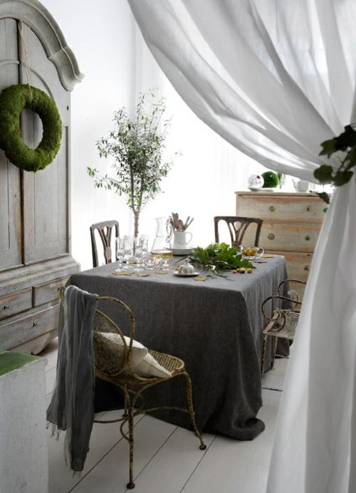 Vintage Kamin passend zum Esstisch