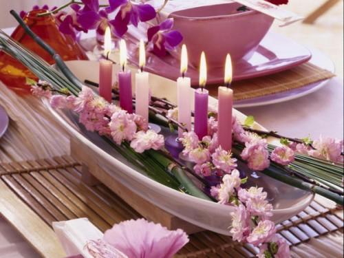 Attraktive tischdekoration mit exotischen blumen 15 for Tischdekoration hochzeit blumen