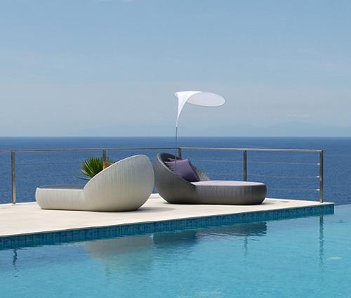 Tolle Gepolsterte Liege Sonnenbad Kissen Sonnenschirm Weiß
