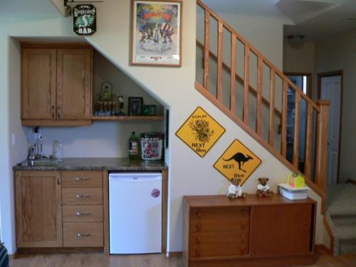 treppenhaus platz idee küche einbauen praktisch