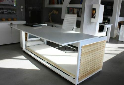 ... umdefiniert : Originelles Schreibtisch-Bett von Athanasia Leivaditou