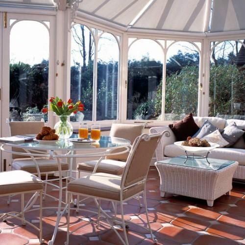 veranda deko ideen frühling sonnenterrasse elegant