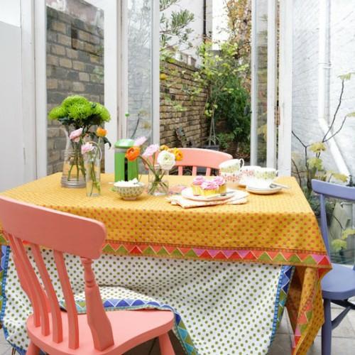 veranda deko ideen frühling sonnenterrasse farbenprächtig